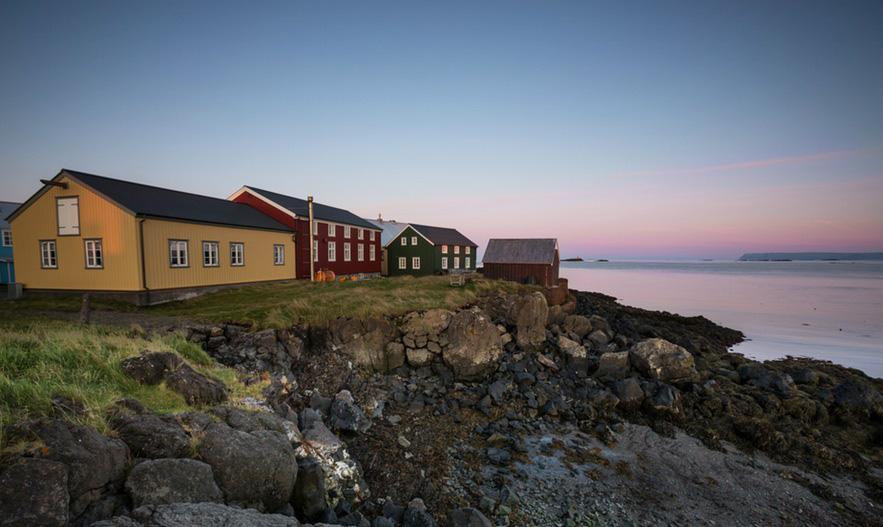 the-remote-island-flatey-11